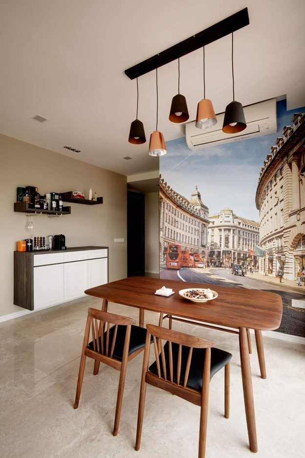 Feature-Wall-In-Dining-Room-at-Thomson-Grand